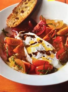 Barefoot Contessa - Recipes - Tomatoes & Burrata with Garlic Toasts ~~~This looks and sounds fabulous!~~~~Now I need to find some burrata cheese! Burrata Recipe, Burrata Salad, Burrata Cheese, Mozzarella Salad, Tomato Salad, Fresh Mozzarella, Appetizer Recipes, Salad Recipes, Appetizers