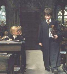 Shy smile by dracoconstellation on DeviantArt Harry Potter Gif, Mundo Harry Potter, Harry Potter Draco Malfoy, Harry Potter Pictures, Drarry, Dramione, Harry Porter, Harry Potter Aesthetic, Daniel Radcliffe