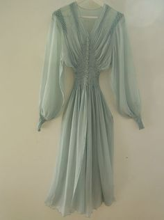 1940s dressinggowns | Dressing gowns/peignoir on Pinterest | Nightgowns, Robes and Vintage ...