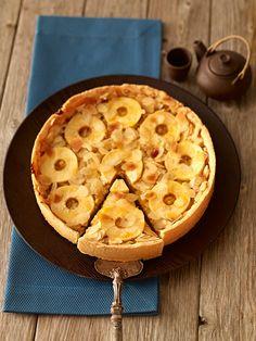 Englischer Apfelkuchen: Ein fruchtiger Apfelkuchen mit Orangenmarmelade und Mandeln