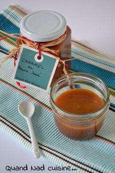 Je vous l'avais promise hier, voici la recette de mon caramel au beurre salé. Elle vient du site le Journal des femmes et je ne remercierai jamais assez Isabelle Bonneau d'avoir partage sa recette. Elle est vraiment à tomber, une texture et un goût parfaits...