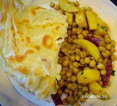 Trini Roti Paratha, Buss Up Shut is a crispy, flaky and melt-in-the-mouth soft flat bread from Caribbean cuisine. Chicken Roti, Chapati Recipes, Indian Desserts, Busses, Entrees, Chicken Recipes, Curry, Surface Area, Baking