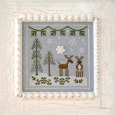 COUNTRY COTTAGE NEEDLEWORKS - Frosty Forest - Snowy Reindeer - Des Filles et une Aiguille