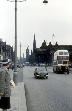 70 Amazing Color Snaps That Capture Street Scenes of Edinburgh, Scotland in the Early ~ vintage everyday Greyfriars Bobby, Research Images, Human Settlement, Early Middle Ages, Edinburgh Scotland, Grandparents Day, Street Look, Capital City, Vintage Photographs