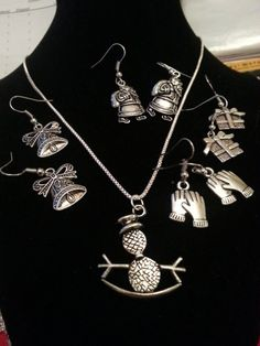 Holiday Jewelry Set  Necklace with 4 Earring by DivinityBraid