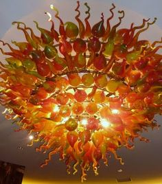 Dale Chihuly unmistakable blown glass artwork