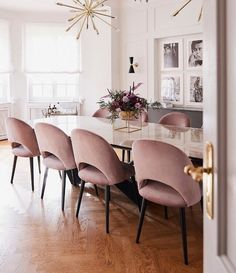 [New] The 10 Best Home Decor Ideas Today (with Pictures) Pink Dining Rooms, Beautiful Dining Rooms, Dining Room Furniture, Luxury Dining Room, Room Interior Design, Dining Room Design, Interior Decorating, Kitchen Interior, Pink Home Decor