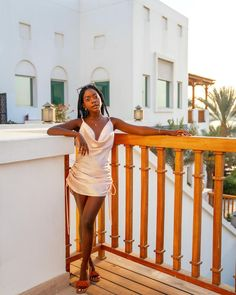 "Hali Oduor's Instagram photo: ""And this is how you do golden hour @parkhyattdubai ✨ #parkhyatt #parkhyattdubai #visitdubai #dubailife #dubaicreek #dxblife #travelnoire…"" Dubai Places To Visit, Visit Dubai, Dubai Life, Golden Hour, Bodycon Dress, Instagram, Fashion, Moda, Body Con"