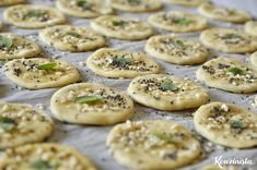 Σπιτικά κράκερ με μυρωδικά / Homemade crackers with herbs Pureed Food Recipes, Greek Recipes, Baby Food Recipes, Vegetarian Recipes, Cooking Recipes, Healthy Recipes, Greek Cookies, Bread Dough Recipe, Wine And Cheese Party
