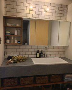 @s__ayoo - Instagram:「✎✐ 洗面所 ✁✃ タイル × モールテックス が最高です。 ⋆ ⋆ #muu_house #リノベーション #造作洗面台 #モールテックス #モールテックス洗面台 #ひかり工務店」