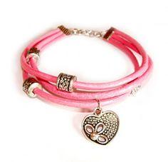 Bransoletka z jasno-różowego rzemyka z ażurową zawieszką w kształcie serca.