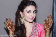 Bollywood actress Soha Ali Khan, who is set to marry long-time boyfriend Kunal Khemu had her mehendi ceremony at her Khar residence on Friday. Soha s groom-to-be Kunal Khemu, Neha Dhupia and Konkana Sen Sharma were snapped by shutterbugs Bollywood Celebrities, Bollywood Actress, Bollywood Fashion, Soha Ali Khan, Tie The Knots, Wedding Pictures, Wedding Ideas, Mehendi, Celebrity Weddings