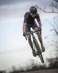 crossgram:  One more from Soigneur CX race in Copenhagen. Some riders where flying other where struggling and on their hands and knees.