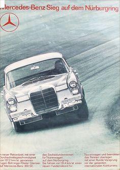 Mercedes-Benz Sieg auf dem Nürburgring