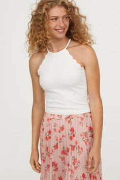 Short top in soft crêped jersey. Narrow cut at top, opening at back of neck with button, and scalloped edges around armholes. H&m Tops, Tank Tops, Crepe Top, Scalloped Edge, Short Tops, Camisole Top, Lady, How To Wear, Shopping