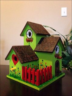 Decorative Wooden Boxes, Decorative Bird Houses, Wooden Art, Wooden Bird Houses, Bird Houses Painted, Painted Birdhouses, Birdhouse Craft, Birdhouse Designs, Birdhouse Ideas