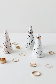 as you can tell from the photos, i have a lot of rings. so making myself some ring cones seemed like the courteous thing to do for my husband who shares a bathroom with me. after doing the faux spe…
