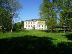 Panoramio - Photo of Schmuggerow, Schloss