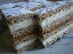 Recepti za top jela i poslastice: Kremasta fantazija! Hungarian Desserts, Hungarian Recipes, Hungarian Food, My Recipes, Sweet Recipes, Cookie Recipes, Snickerdoodle Blondies Recipe, Cake Bars, Sweet And Salty