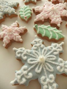 Snowflake Holly Cookies~                                 By Diary bread sometimes sweets, green holly, blue, pink, pearls
