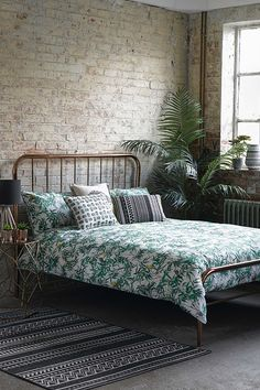 See these Bedroom Ideas, to help you in your Interior Design projects | You can visit us at www.essentialhome.eu/blog to get more #MidCenturyModern inspiration. | #Inspiration #InteriorDesign