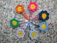 uncinetto fiori colorati  mollette
