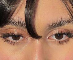 Dewy lids and bushy brows Cute Makeup, Pretty Makeup, Makeup Looks, Beauty Make-up, Beauty Hacks, Hair Beauty, Makeup Inspo, Makeup Inspiration, Feather Brows