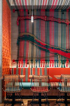 A Colorful Rope Mural Adds An Artistic Touch To This Restaurant - Bar Ideen Restaurant Brasserie, Art Restaurant, Restaurant Interior Design, Cafe Interior, Colorful Restaurant, Restaurant Interiors, Miami Restaurants, Residence Senior, Cafe Design