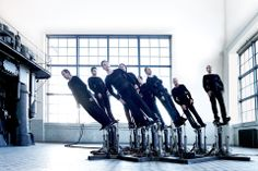 The Pendulum Choir uses hydraulic pistons to sway with the music (Wired UK)