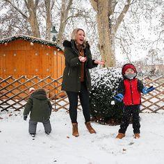 Der 1. Dezember ist da das erste Adventtürchen wurde geöffnet die Landschaft wurde in ein Winter Wonderlamd verwandelt und die Weihnachtsmärkte öffnen ihre Türen  Der perfekte Start in die Vorweihnachtszeit Advent, Winter Jackets, Instagram, December, Landscape, Winter Coats, Winter Vest Outfits