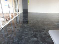This silver and black resin flooring offers a perfect solution for anyone wishing to apply resin flooring to a commercial environment.