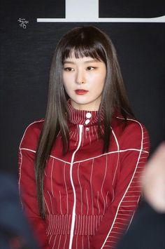 Red Velvet Joy, Red Velvet Seulgi, Red Velvet Photoshoot, Red Valvet, Kang Seulgi, Beautiful Asian Girls, Asian Fashion, Kpop Girls, Leather Jacket