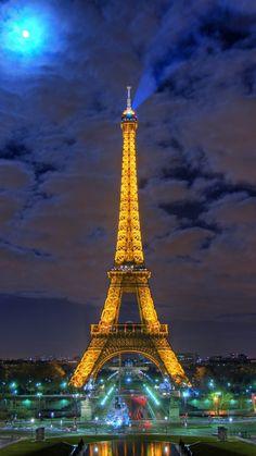 Eiffel Tower in Paris Paris Wallpaper, City Wallpaper, Wallpaper App, Wallpaper Downloads, Eiffel Tower At Night, Paris Eiffel Tower, Paris Images, Paris Pictures, Htc One