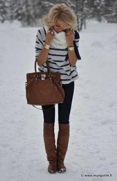 Calças pretas + camisola riscas + botas camel + cachecol camel