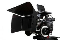 EOS-300C-FSL-w-PRIME-CINE-LENS-500x333.jpg 500×333 píxeles