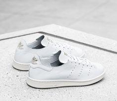 Neues, cleanes Schmuckstück aus dem Hause adidas: Stan Smith Lea Sock. Hier entdecken und shoppen: http://sturbock.me/bho