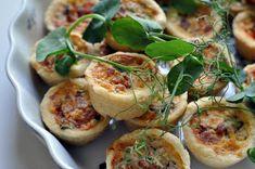 Patalintu: Pienen pojan kastejuhla Baked Potato, Camembert Cheese, Potato Salad, Zucchini, Potatoes, Baking, Vegetables, Ethnic Recipes, Food