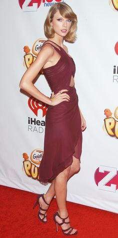 Taylor Swift wearing a Reem Acra dress and sandals in Marsala: 2015's Full-Bodied Color of The Year