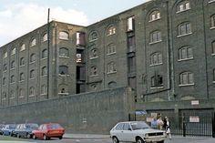 East End London, Old London, Saint Katherine, The Sweeney, Corner Sheds, Liverpool Docks, London Docklands, Trekking, Saints