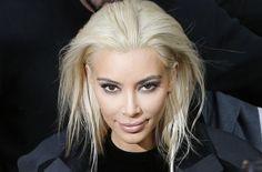 Haarige News: Kim Kardashian sagt Bye Bye platinblonde Haare