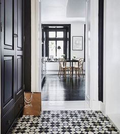 A view into a lovely apartment featuring @marrakechdesign #tile goodness! Photo by @entrancemakleri / #tiletuesday #tiles #tiled #tiling #tilework #floor #ihavethisthingwithfloors #ihavethisthingwithtiles #tileaddiction #homedecor #homedesign #interior #interiordesigner #interiordesign #idcdesigners #instahome #instastyle #classic #elegant #blackandwhite by tiletuesday