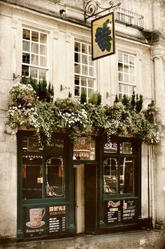 In England on holiday - we enjoyed Pub Fare whenever we could. :-)  Great expectations!