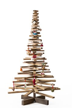wooden bamboo Christmas tree by OntHout