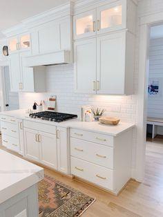 Design My Kitchen, Kitchen Cabinet Design, Home Decor Kitchen, Kitchen Interior, Home Kitchens, Kitchen Ideas, Kitchen Cabinets, Gray Cabinets, White Kitchen Furniture
