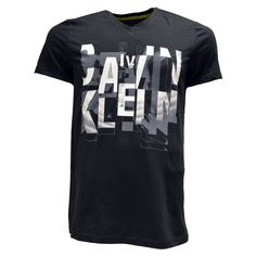 Calvin Klein casual graphic t-shirt Short sleeves.  Calvin Klein  graphic  design on front. 081b31bb24