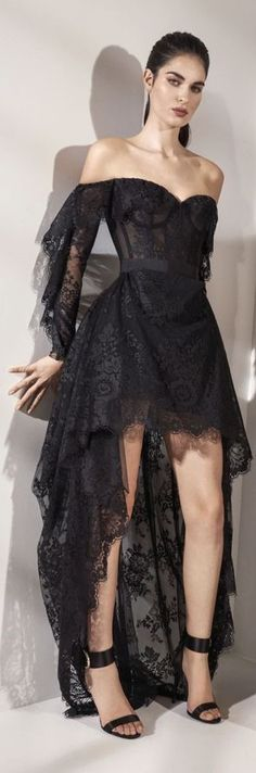 Vogue India, Zuhair Murad, Wearing Black, Frocks, Designer Dresses, Red Carpet, Ready To Wear, Fashion Show, Fashion Accessories
