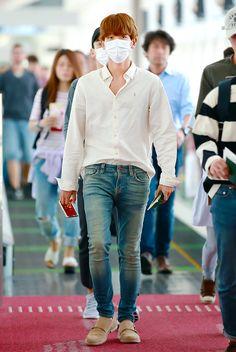 Byun Baekhyun airport fashion