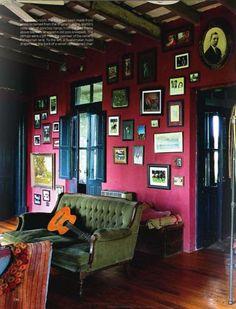 Muebles Recuperados y Decoración Vintage... I must do this concept and on these colored walls.