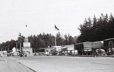 Checkpoint Bravo, Dreilinden, Zehlendorf, 1959  Der alte Kontrollpunkt Dreilinden (Checkpoint Bravo) befand sich auf dem (West-Berliner) Gebiet Albrechts Teerofen.