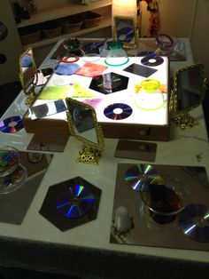 Light table and mirrors